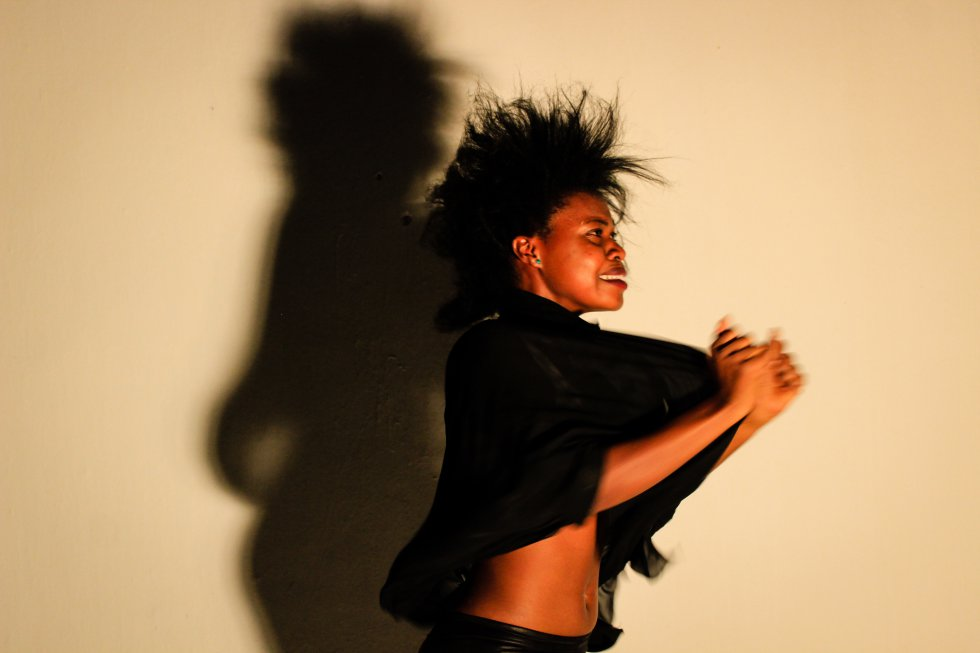 shadowed-foto-di-esther-mbabazi